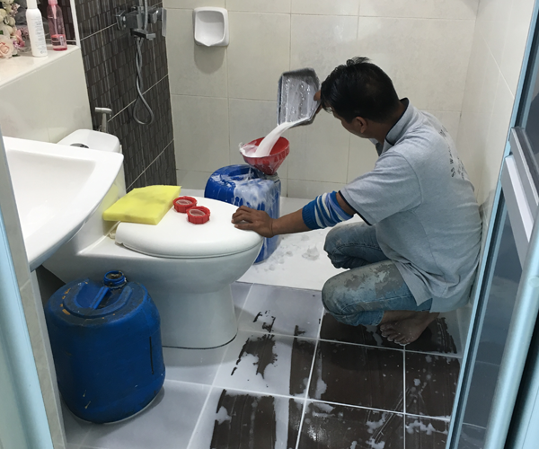 repair-toilet-leaking
